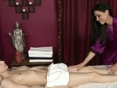 Innocent chick gets her first Happy Ending Massage