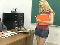 Blonde, Sucer une bite, Mixte, Collège université, Élève, Jupe, Étudiant, Adolescente