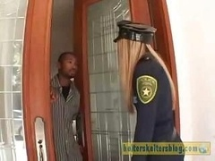 Policía, Castigada