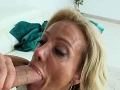 Large dick rewards milf with orgasms