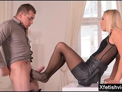 Sexy pornstar footjob and cumshot