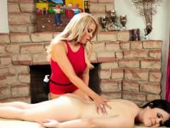 Massage babe tribbing