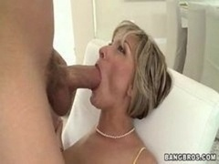Sexually available mom screams as she gets fucked www.beeg18.com