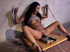Nana, Bondage domination sadisme masochisme, Bondage, Brunette brune, Bâillonner, Actrice du porno, Vibromasseur