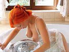 Cuarto de baño, Tetas grandes, Linda, Penetracion con dedos, Coño, Pelirrojo, Flaco, Calientapollas