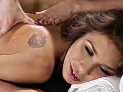lesbian masseuse tribbing