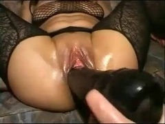 Extreme Toying & Fist-fucking Hot Brunette