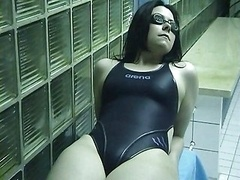 Swimsuit Bitch-cumshot