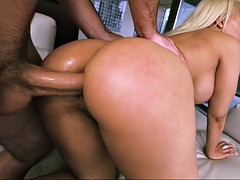 luna star gets her ass stretched with anal doggystyle sex
