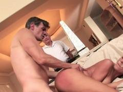 Married beauty facialized in cuckold threeway