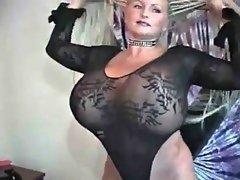 Muscle Fight Scissors-  Amazon Girl Destroying Guy