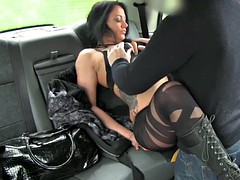 Lusty amateur passenger exchange her pussy for a free fare