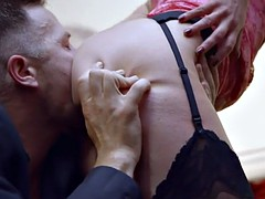 Drilling blonde babe Holly Kiss