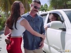 lexi luna sucking and fucking outdoors by the car