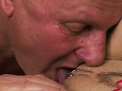 Stockinged eurobabe gets creampied by oldman