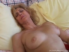 Mature Newbie Loves To Cum