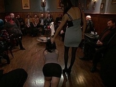 Américain, Bondage domination sadisme masochisme, Domination, Extrême, Fétiche, Groupe, Humiliation, Innocente