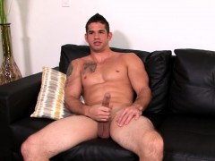 Jason Richards plays with his magnificent cock all alone