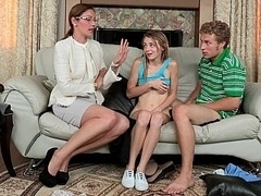 Hija, Familia, Novia, Gafas, Grupo, Madres para coger, Flaco, Adolescente