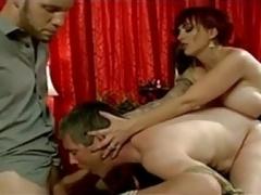 Bondage discipline sadomasochisme, Man die toekijkt, Dominante vrouw, Voorbinddildo