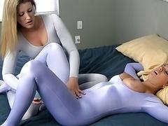 Softcore pornografie, Spandexonderbroek, Kousen, Speelgoed