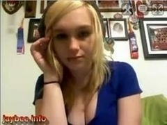 Blond emma bate on webcam