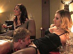 Blondine, Füsse, Frau, Weibliche domination, Frau frau mann, Lingerie, Strümpfe, Flotter dreier