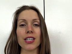Amateur, Brunette brune, Attrapée, Habillées, Pieds, Hard, Pov, Jouets