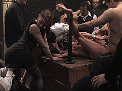 Bondage domination sadisme masochisme, Brunette brune, Extrême, Humiliation, Orgie, Punition, Esclave, Attachée