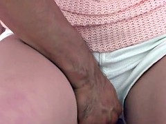Fingerfucked japanese babe squirts