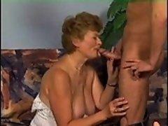 Alana from kinkyandlonelycom - German granny