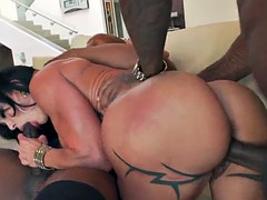 Mature woman Jewels Jade with big tits gets a double penetration by black dicks