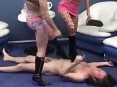 femme recherche homme pour human toilet